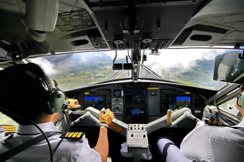 Supir Truk, Anis Baswe dan Supir Pesawat   Guratan Mok-Mok
